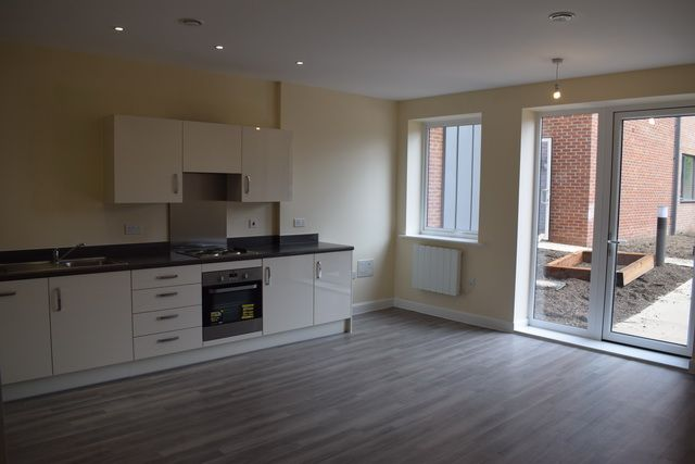 Thumbnail Flat to rent in Bruce Road, Harrow Weald