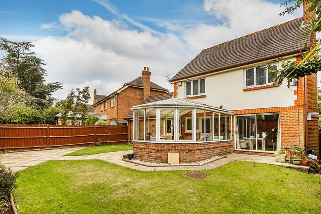 Thumbnail Link-detached house for sale in Postmill Close, Croydon