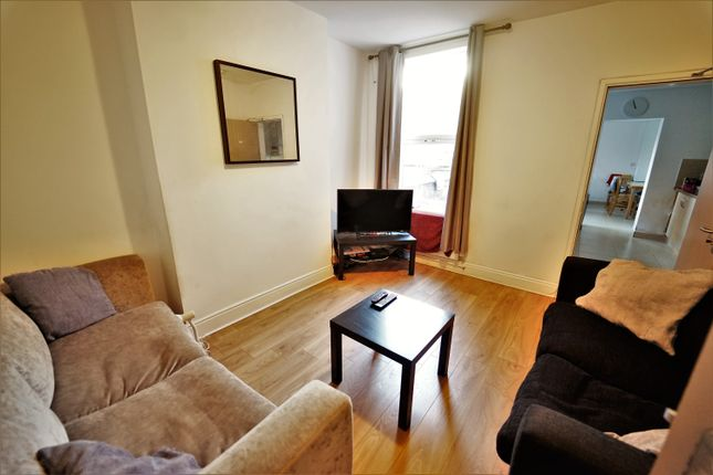Thumbnail Terraced House To Rent In Rothesay Avenue Nottingham