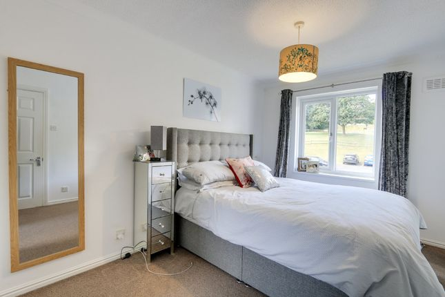 Bedroom of Mill Close, Newton Abbot TQ12
