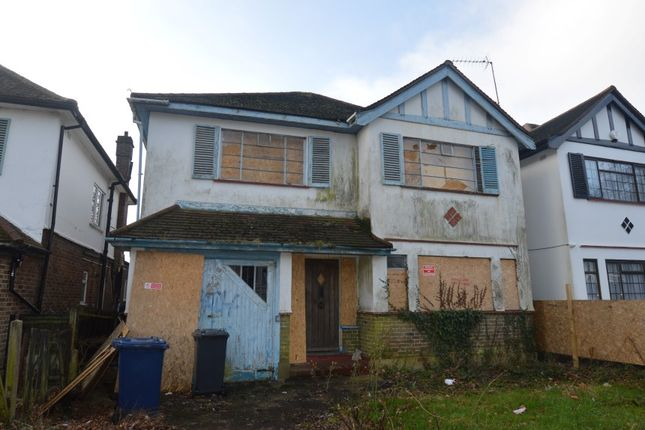 Thumbnail Detached house for sale in Chase Side, Southgate, London