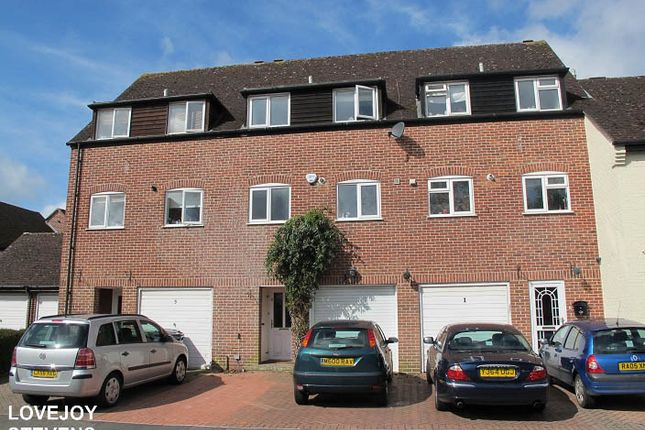 Thumbnail Terraced house to rent in Crawford Place, Newbury