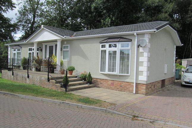 Thumbnail Mobile/park home for sale in Millers Way, Pilgrims Retreat (Ref 5414), Harrietsham, Maidstone, Kent