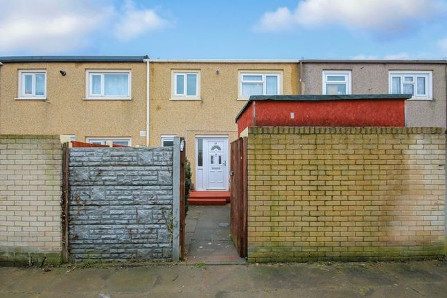 Thumbnail Property for sale in Oldwyk, Vange, Basildon