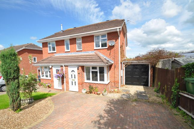 Thumbnail Semi-detached house to rent in Holly Close, Droitwich