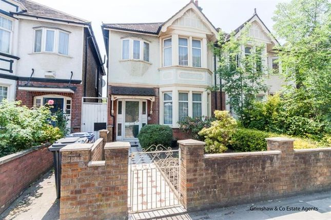 3 bed property for sale in Noel Road, West Acton, London