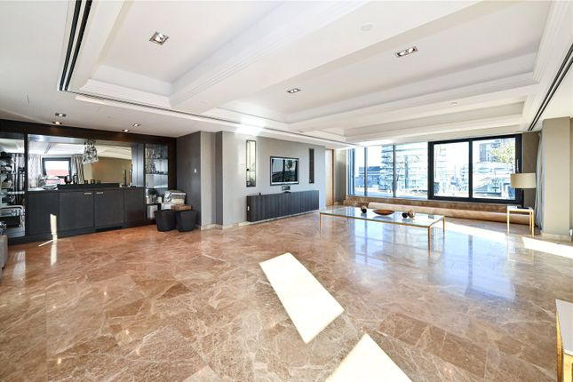 Thumbnail Flat for sale in Millharbour, Canary Wharf, London