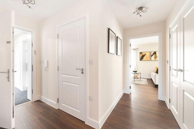 2 bedroom flat for sale in Bleriot Gate, Addlestone