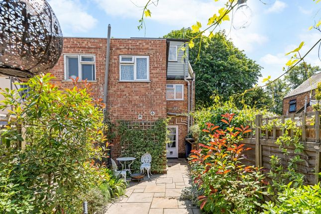Thumbnail Terraced house to rent in South Parade, Oxford
