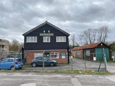 Office to let in Palmers Yard, London Road, Newbury, Berkshire
