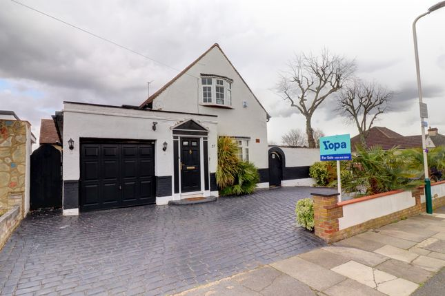 Thumbnail Detached house for sale in Harold Court Road, Harold Wood, Romford