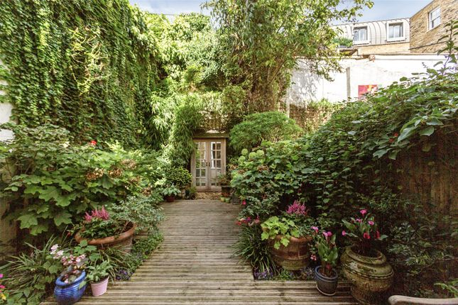 Thumbnail Detached house for sale in Bastwick Street, Clerkenwell, London