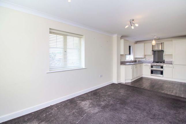 Thumbnail Flat to rent in Osier Close, Bromsgrove
