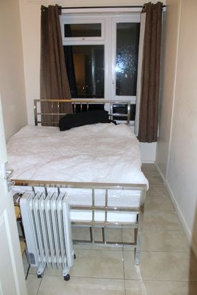 Thumbnail Room to rent in Ariel Court, Opal Street, Kennington, Greater London