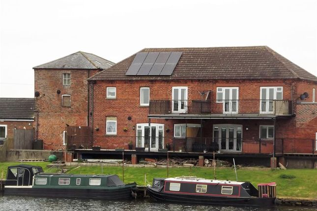 Thumbnail Flat for sale in Dogdyke, Lincoln