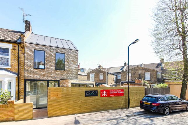 Thumbnail End terrace house to rent in Lindley Road, London