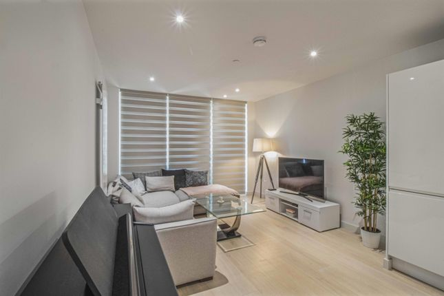 Thumbnail Flat for sale in Royal Crest Avenue, London
