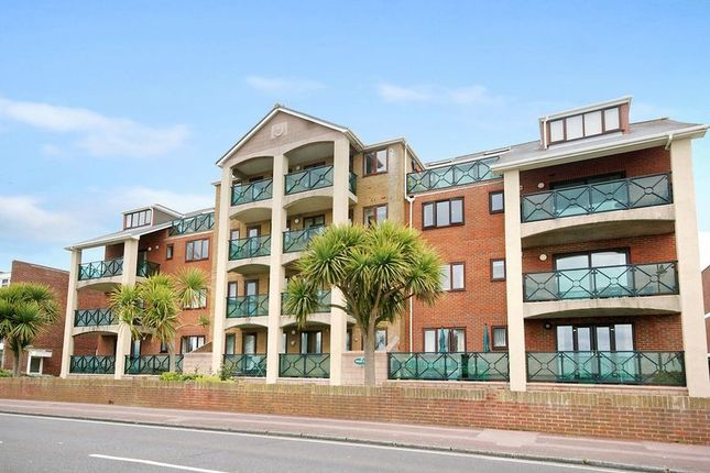 Thumbnail Flat for sale in Marine Parade West, Lee On The Solent