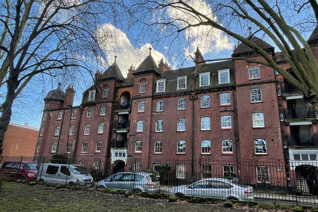 1 bed flat to rent in Dunstan Houses, Stepney Green, London E1