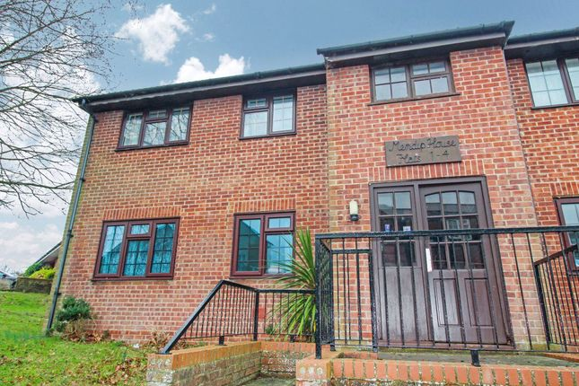 2 bed flat to rent in Yarn Barton, Templecombe BA8