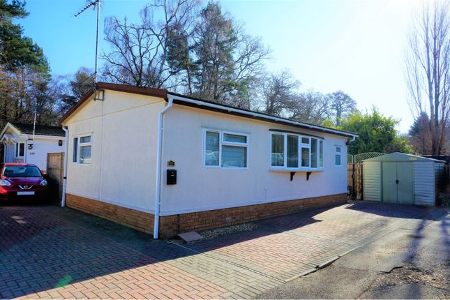 Thumbnail Mobile/park home for sale in Pinehurst Park, Ferndown