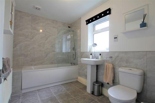 Bathroom of Trafalgar Terrace, Darlington DL3