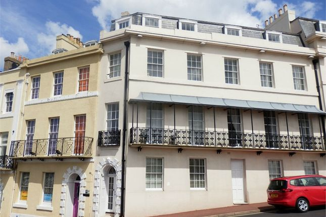 Flat to rent in Beacon Terrace, Torquay