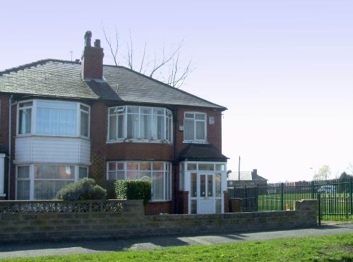 Thumbnail Semi-detached house to rent in Oakwood Lane, Gipton, Leeds