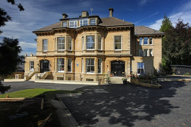 Thumbnail Flat for sale in Penhurst Gardens, Chipping Norton