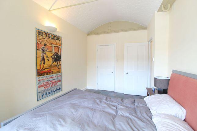 Master Bedroom of St Katherine Docks, London E1W