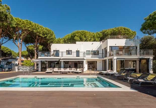 Thumbnail Villa for sale in Artola, Marbella East, Costa Del Sol