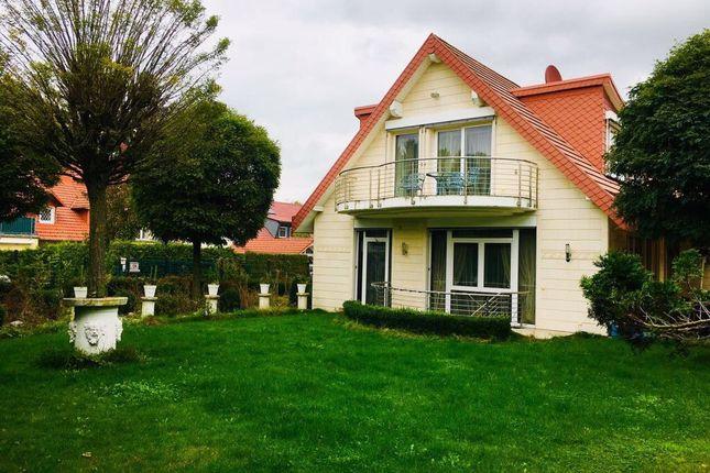 Photo of Im Birnbaumfeld, Bad Homburg v. d. Höhe, Hochtaunuskreis, Hessia, Germany