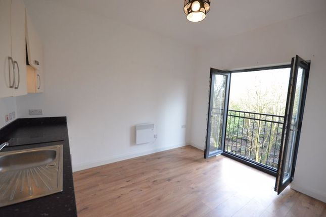 1 bed flat to rent in Bank Parade, Burnley BB11