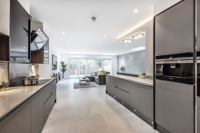 Thumbnail Detached house to rent in Parkside, London