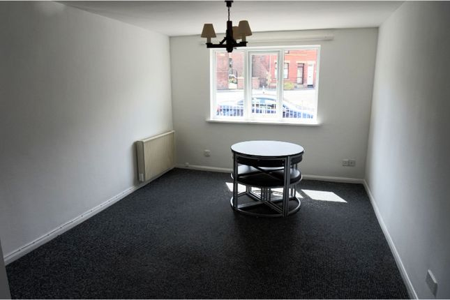 Lounge of Scott Road, Sheffield S4