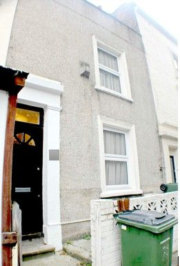 Thumbnail Terraced house to rent in Brookhill Road, London