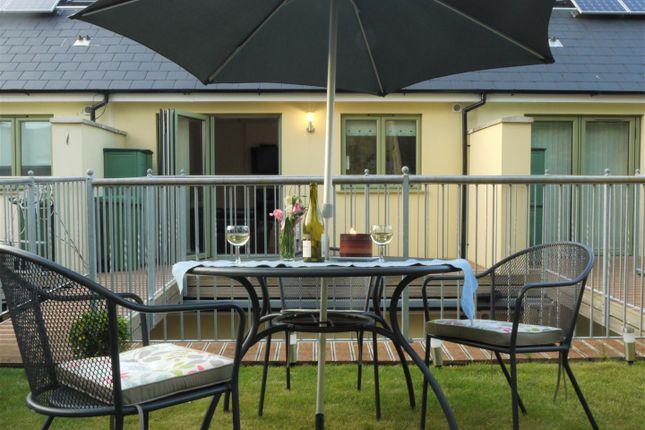Garden & Balcony Maisonette
