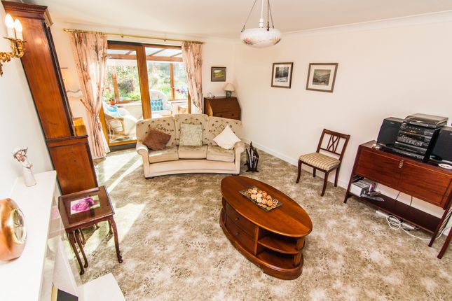 Lounge of Rockcliffe Close, Wadworth, Doncaster DN11