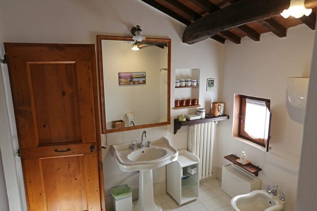 Piandolmo Montepulciano Bathroom