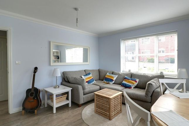 Thumbnail Flat for sale in Claremont Place, Blackwater, Camberley