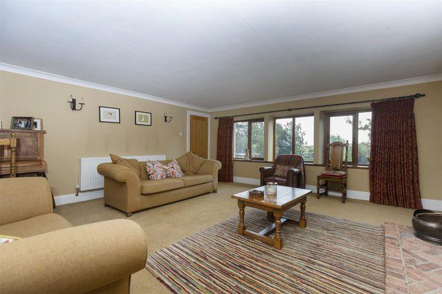 Lounge of Burn Road, Birchencliffe, Huddersfield HD2