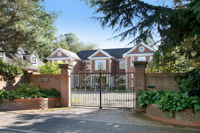 Thumbnail Detached house for sale in Burkes Crescent, Beaconsfield