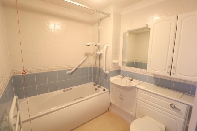 En-Suite of Pegasus Court, Stafford Road, Caterham, Surrey CR3