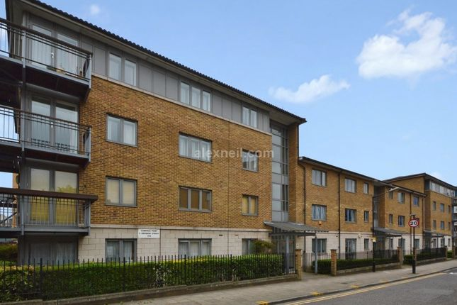 Thumbnail Flat for sale in Grenade Street, London