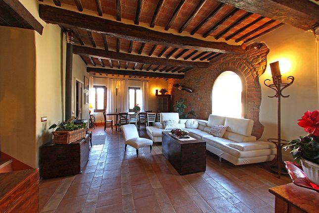 Properties for sale in monteleone d 39 orvieto terni umbria for Interni di casali ristrutturati