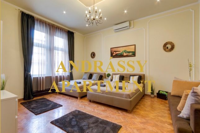 Thumbnail Apartment for sale in Andrassy Avenue, Hungary