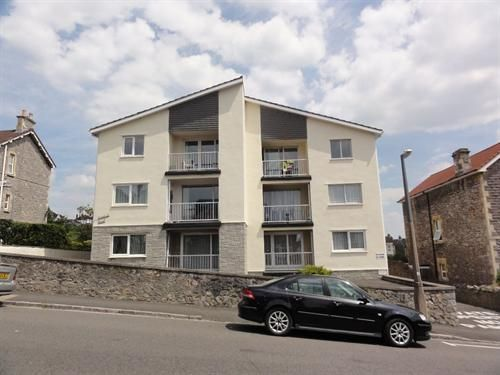 Thumbnail Flat to rent in Manor Road, Weston-Super-Mare