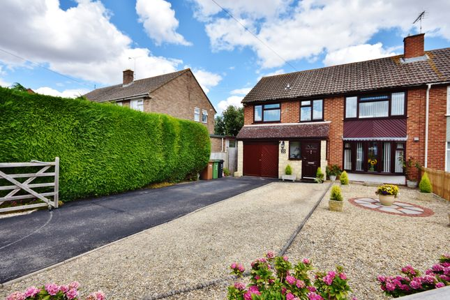 Thumbnail Semi-detached house for sale in Mowbray Road, Didcot