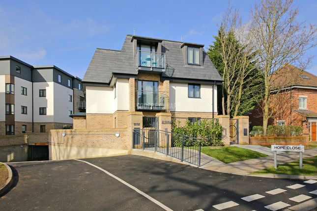 Thumbnail Flat for sale in Hope Close, Hendon