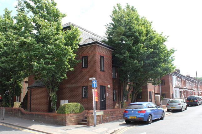Thumbnail Flat for sale in Albany Court, Dallow Road, Luton
